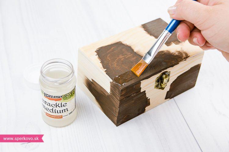 Krakelovanie na drevenú krabičku postup