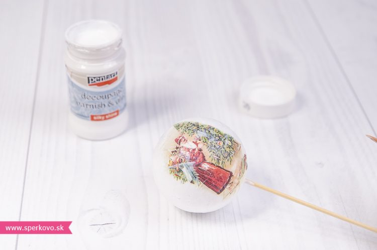 Decoupage technika na polystyrénové ozdoby s použitím ryžového papiera