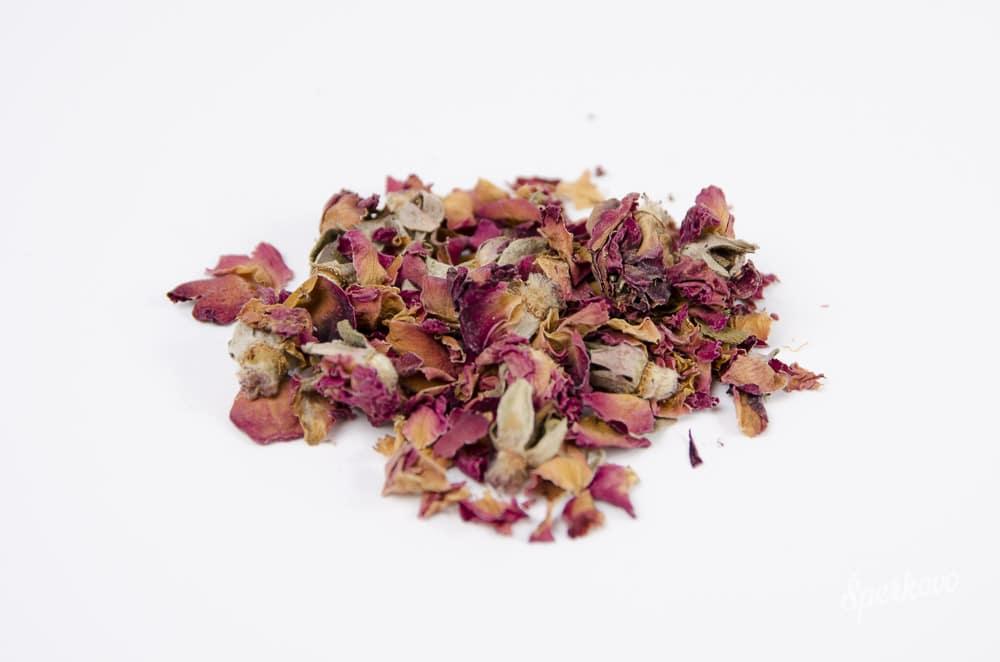 Sušené lupene ruže na výrobu mydla
