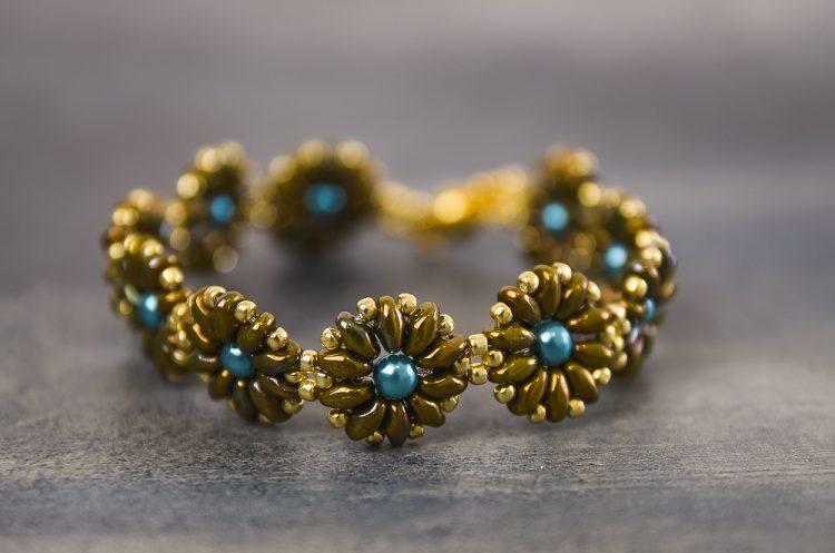 Kreatívny kurz Šité šperky kvetinky