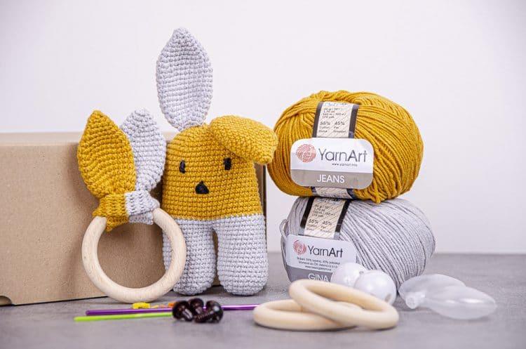 Štartovací balíček Háčkovaný zajačik a hryzátko pre bábätko