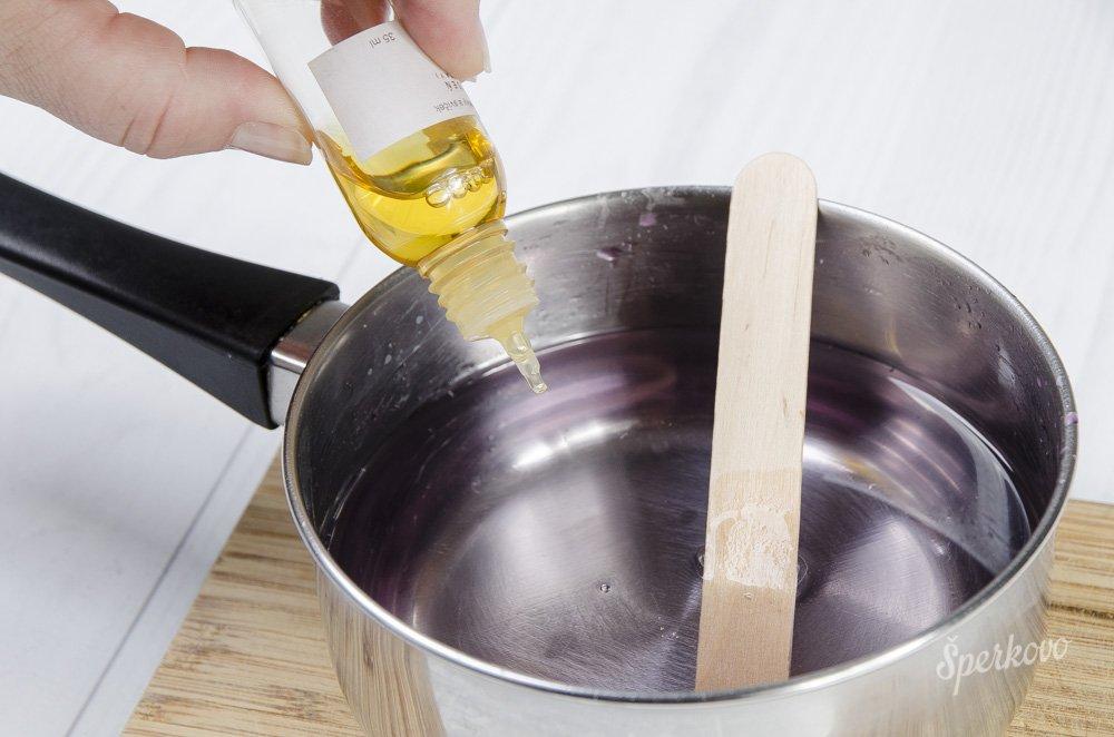 Návod ako si vyrobiť voňavú sviečku z vosku
