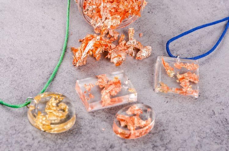 Formy na krištálovú živicu a návod na výrobu šperkov