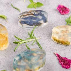 Návod ako vyrobiť vlastné mydlo s bylinkami
