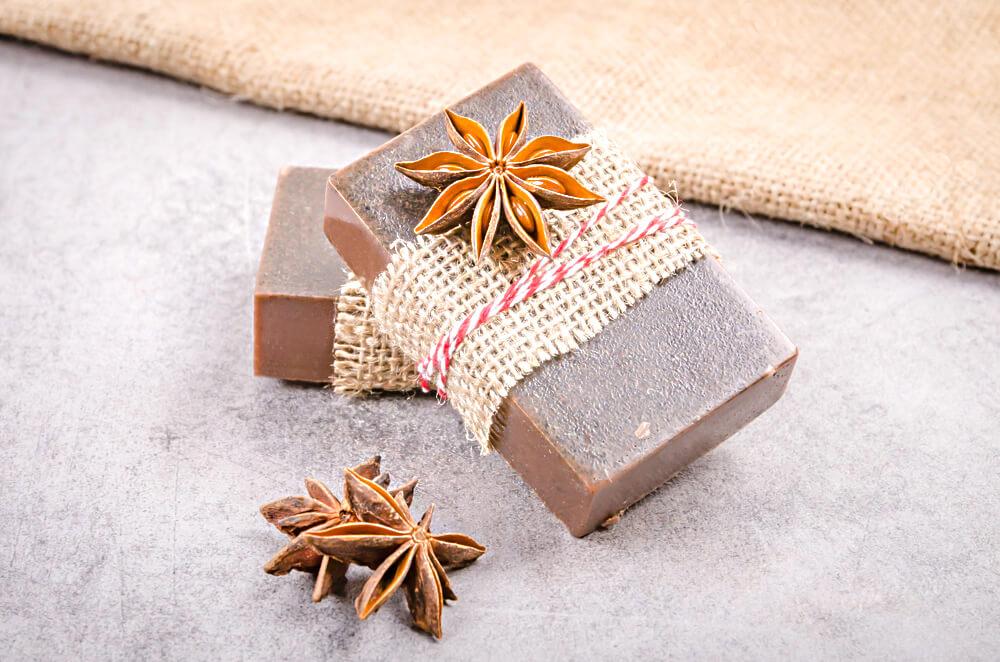 Ako si vyrobiť kakaové mydlo so škoricou