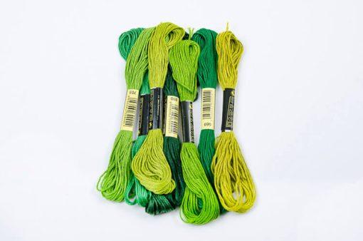 Bavlnky na vyšívanie mix zelený