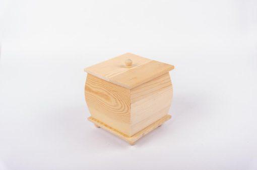 Drevená krabička na šperky s vrchnákom