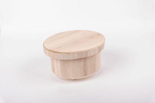 Drevená krabička s nožičkami oválna