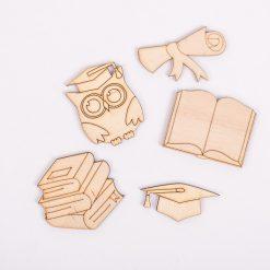 Drevený výrez sadaknihy a škola