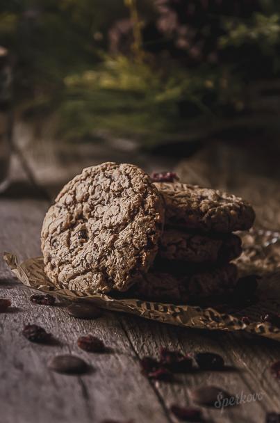 Recept na cookies z ovsených vločiek a arašidového masla