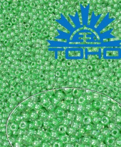 TOHO korálky Crystal Apple Green