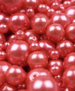 voskovane-perly-cervena-svetla-25-g